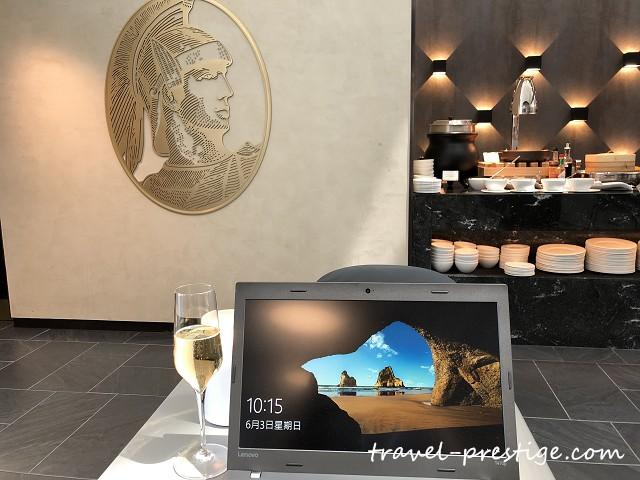 [飛行]2018國泰航空商務艙的飛行旅程HKG->ORD x AMEX美國運通香港機場貴賓室